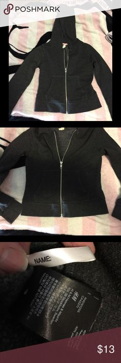 LIL GORLS SZ 8-10 💕 BLACK HOODIE~NWT 😎 Perfect for SPRING & SUMMER & FALL.  This is just another of many that our little one never wore and is still brand new. It has a full silver-tone zipper and 2 pockets in the front. LOVE the black ones for little ones!  Great for little boys too. 😘👍 H&M Shirts & Tops Sweatshirts & Hoodies