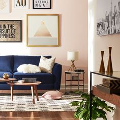 Living room color schemes decorate it blue couch living room Blue And Pink Living Room, Blush Living Room, Blue Couch Living Room, Navy Living Rooms, Living Room Decor, Living Room Color Schemes, Paint Colors For Living Room, Room Colors, Living Room Designs