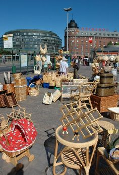 What should I get there first? (Hakaniemi market square, Helsinki - カッリオ地区) Beautiful Places To Travel, Romantic Travel, Finnish Language, Europe Street, Visit Helsinki, Baltic Cruise, Lapland Finland, Beautiful Buildings, Culture Travel