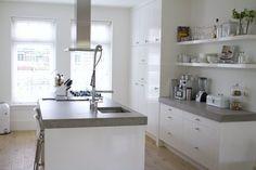 mooie keuken in wit-grijs