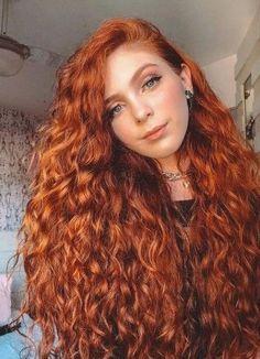 34 Inspiring Long Curly Hair Styles Ideas in 2019 Red Hair Model, Hair Models, Curly Hair Styles, Natural Hair Styles, Blonde Curly Hair, Hair Afro, Updo Curly, 3b Hair, Hair 24