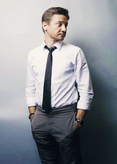 """Jeremy """"I can't handle this"""" Renner"""