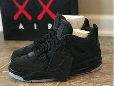 c2a09c5918e469 NIKE AIR JORDAN 4 IV RETRO KAWS BLACK CLEAR GLOW 930155 001  addidas  retros