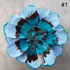 Pine Cone Art, Pine Cone Crafts, Pine Cones, Sea Crafts, Nature Crafts, Cute Crafts, Pine Cone Flower Wreath, Flower Petal Template, Painted Pinecones