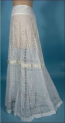1905 White Batiste Cotton Fancy Lace Slip with Embroidery Edwardian Clothing, Antique Clothing, Edwardian Fashion, Vintage Fashion, Pretty Outfits, Beautiful Outfits, Vintage Dresses, Vintage Outfits, Moda Retro