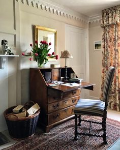 A good start to the day. Home Office Design, House Design, Cosy Home, Room Of One's Own, English Decor, Interior Decorating, Interior Design, Ideal Home, Living Spaces