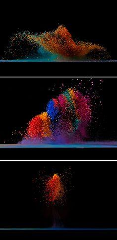 """Dancing Colors  making sound waves visible  by Fabian Oefner *CLICK FOR MORE PHOTOS AND HOW IT WAS MADE..""""O fotógrafo suíço Fabian Oefner criou um ensaio onde cores dançam usando pós coloridos que tomam forma com vibrações de uma caixa de som."""""""