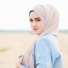 Idea Of Making Plant Pots At Home // Flower Pots From Cement Marbles // Home Decoration Ideas – Top Soop Beautiful Muslim Women, Beautiful Hijab, Beautiful Eyes, Pretty Eyes, Hijabi Girl, Girl Hijab, Arabian Beauty, Arabian Women, Exotic Women