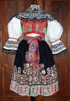 Kyjov folk costume - Picture of Antique Ahasver, Prague - Tripadvisor Costumes Pictures, Folk Costume, Traditional Dresses, Folk Art, Sari, Two Piece Skirt Set, Bohemian, Textiles, Fancy