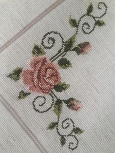 Pin by sawsan sewilam on embroidery Free To Use Images, Bat Sleeve, Bargello, Spring Trends, Le Point, Bed Sheets, Cross Stitch Patterns, Diy And Crafts, Shabby Chic