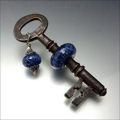 VINTAGE KEY - Lampwork Key Bead