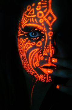 Neon Queen of Orange by BlackMagdalena.<< not so tribal but cool inspiration, the idea I'm getting at Uv Makeup, Dark Makeup, Makeup Art, Black Light Makeup, Makeup Ideas, Neon Painting, Light Painting, Body Painting, Painting Art