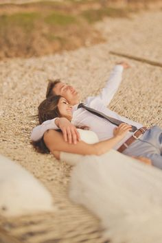 HAMMOCK. Find a hammock....kick back...and capture the sweet moment. Romantic wedding photography ideas. Wedding photoshoot ideas; wedding photography; wedding photos. #WeddingPhoto #UniqueWeddingPhotos #WeddingPhotography