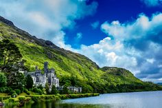 While Ireland shares aspects of both America and continental Europe, it is distinct in so many ways. Get our top must-sees in Ireland with kids.