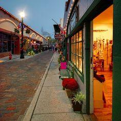 Aviles Street, St. Augustine, Christmastime