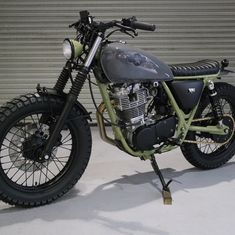 I genuinely am into the things these folks designed on this custom-made Yamaha Sr400, Honda Scrambler, Custom Motorcycles, Custom Bikes, Scooters, Cafe Racer Moto, Cafe Racers, Sr500, Bikes For Sale