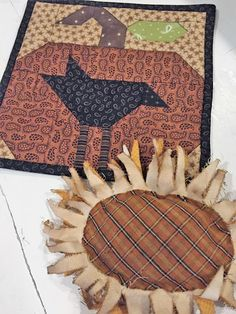 Easy Primitive Crafts, Fall Crafts, Diy And Crafts, Sunflower Flower, Fall Quilts, Tea Stains, Home Decor Signs, Hot Pads, Quilt Blocks