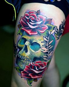 scull with roses arrrr...
