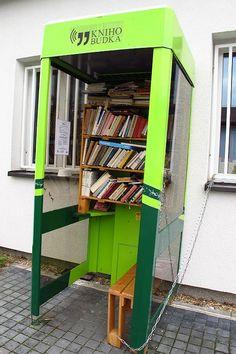 Radio Prague : Ces cabines où le téléphone a cédé la place aux livres