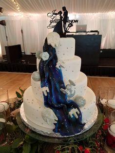 Star Wars Wedding Cake. Star Wars Tiered Wedding Cake. Space Themed Wedding Cake. Nerd Wedding. Geek Wedding. Wedding Trends. Wedding Planning. Star Wars Birthday. Star Wars Cake.