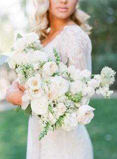Ashley Rae Photography Gondola Elopement Inspiration with Old Hollywood Glamour #romanticelopementideas #vintageinspiredweddingdress #weddingsendoffideas