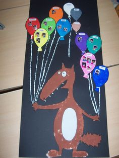 calendrier des anniversaires                              … Decoration Creche, Diy And Crafts, Classroom, Kids Rugs, Activities, Children, Behance, Anniversary Chalkboard, Birthday Calendar Board