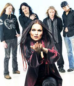 Nightwish - (back) Marco Hietala, Tuomas Holopainen, Emppu Vuorinen, Jukka Nevalainen; (front) Tarja Turunen (1996 - 2005)