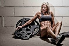 Insane abs! - Muscles - Muscular - In Shape - Pumped - Portrait - Photography - Pose Idea