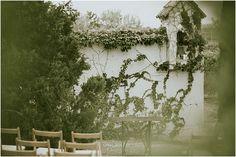 La boda campestre de Naza y Héctor. Fotos de Yabiku Wedding Photography www.romeosyjulietas.es rustic wedding, greenery, ceremony ideas