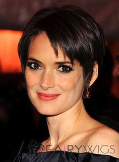When she goes the boyish route -- with very short hair and little jewelry -- Winona Ryder actually looks more feminine. Because the context is boyish, what sticks out as different are her radiant skin, rounded cheeks and gorgeous eyes. -Truth is Beauty Short Blonde Pixie Cut, Short Pixie Haircuts, Short Hair Cuts, Short Hair Styles, Short Wavy, Pixie Cuts, Winona Ryder, Wig Hairstyles, Straight Hairstyles