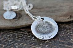 Die 27 Besten Bilder Von Fingerprint Schmuck Fingerprint Necklace