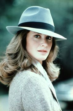 Stephanie Zimbalist as Laura Holt in Remington Steele wearing her signature felt fedora