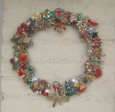 Christmas Wreath Vintage Brooch