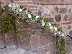Web pictures Wedding Church Aisle, Church Wedding Decorations, Garland Wedding, Chapel Wedding, Wedding Table, Wedding Flowers, Wedding Day, Wedding Staircase, Wedding Planer