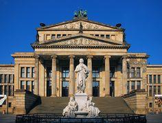 ღღ Berlin Gendarmenmarkt. Schillerdenkmal vor dem Konzerthaus - Schinkel