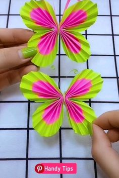 Origami flower video tutorial - Her Crochet Paper Crafts For Kids, Diy Home Crafts, Diy Arts And Crafts, Creative Crafts, Fun Crafts, Paper Flowers Diy, Flower Crafts, Paper Butterflies, Diy Paper