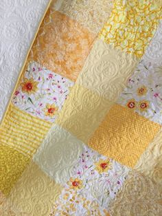 King Patchwork Quilt with Floral Fabrics King Size Custom Wedding Heirloom Bed Quilt Colchas Quilt, Quilt Batting, Lap Quilts, Amish Quilts, Scrappy Quilts, Quilt Blocks, Baby Girl Quilts, Girls Quilts, Baby Quilt Patterns