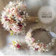 Fall Wedding Bouquets, Bride Bouquets, Flower Bouquet Wedding, Wedding Dress, Flower Decorations, Wedding Decorations, Dried Flower Bouquet, Orchid Bouquet, Balloon Bouquet
