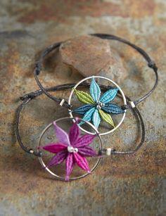 Lace Bracelet, Cuff Bracelets, Couture Invisible, Bobbin Lacemaking, Lace Heart, Lace Jewelry, Needle Lace, Lace Detail, Crochet