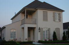 New Home Exterior Colors Beige Benjamin Moore 18 Ideas Beige House Exterior, Mountain Home Exterior, House Paint Exterior, Exterior Paint Colors, Exterior House Colors, Facade Design, Exterior Design, Interior And Exterior, Benjamin Moore Exterior
