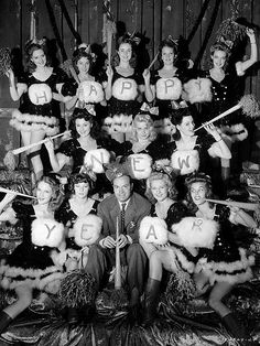Bob Hope celebrates 1942 with a dozen of the Louisiana belles who appeared alongside the comedian and actor in the film Louisiana Purchase. Happy New Year Movie, Vintage Happy New Year, Happy New Year Photo, Happy New Year Images, Happy New Year Wishes, Vintage Holiday, New Year Pictures, Classic Movie Stars, Classic Movies
