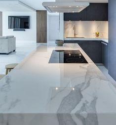 Choosing New Kitchen Countertops Luxury Kitchen Design, Kitchen Room Design, Luxury Kitchens, Home Decor Kitchen, Interior Design Living Room, Kitchen Ideas, Tuscan Kitchens, Kitchen Layout, Kitchen Colors