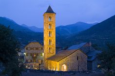 Built during the eleventh to thirteenth centuries, all the churches of the Vall de Boi was declared a World Heritage Site by UNESCO on November Romanesque Architecture, Architecture Art, Places To See, Places Ive Been, Secret Places, World Heritage Sites, Empire State Building, Big Ben, Spain