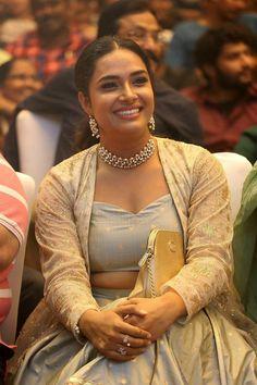 Beautiful Girl Photo, Beautiful Girl Indian, Italian Actress, Indian Beauty Saree, Indian Girls, Sexy Hot Girls, Actress Photos, Girl Photos, Style Guides