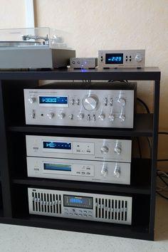 Cambridge Audio DacMagic 100, Pioneer DT400, Pioneer SA8800, Pioneer RG-2, Pioneer SR-303 et Sansui SE-8 / Blue 3.jpg
