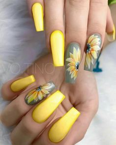 90+Perfect Nail Arts Design and Colors for Summer
