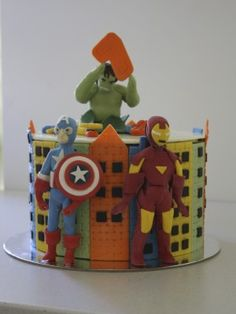 Avengers My first Avengers cake. Captain America, Iron Man and the Incredible Hulk are all molded from chocolate. Superhero Birthday Cake, Birthday Cakes, Captain America Cake, Party On Garth, Avenger Cake, Book Cakes, Novelty Cakes, Incredible Hulk, I Love Food