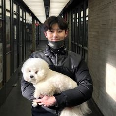 Park Seo-joon, one of Hallyu's biggest names, is sending his Seollal, or Lunar New Year, greetings to fans. Witch's Romance, Korean Star, Korean Men, Asian Actors, Korean Actors, Korean Dramas, Park Seo Joon Instagram, Joon Park, Happy Lunar New Year