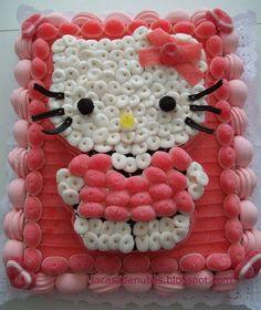 ^^ tartas de chuches personalizadas. Hello Kitty hecha con besos de fresa y nubes