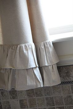 DIY Cute Curtains.